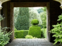 Landscapes-Cotswolds-Gardens-Westwell-Manor-500x333